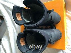 Aku Pilgrim boots tactical military HL goretex UK 9 Excellent used cond